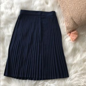 American Apparel Navy pleated skirt